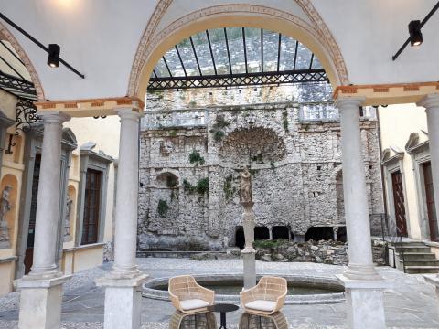 Nella Villa Pliniana, la Fonte