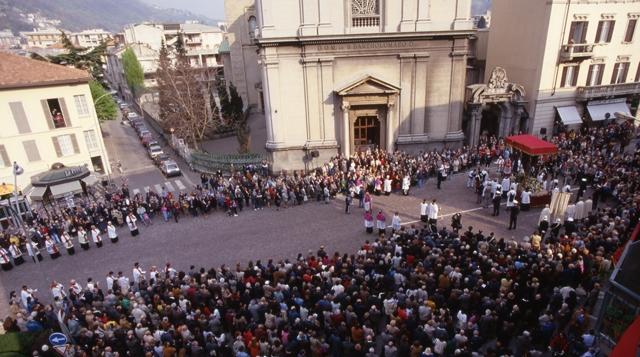 Como, processione del venerdì sato: foto storica